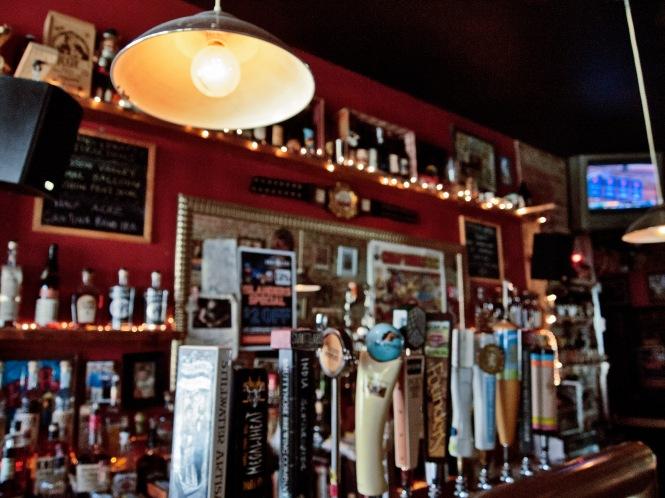 4th Avenue Pub Bulb.jpg