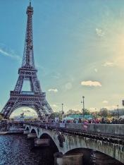 Eiffel Crowds