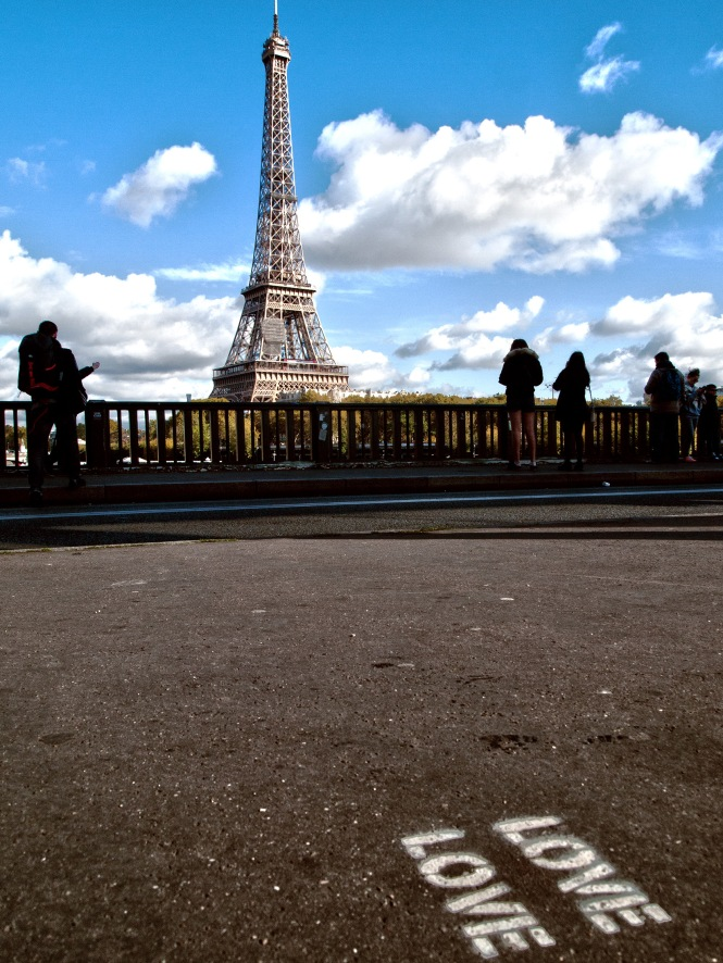 Love Eiffel Love