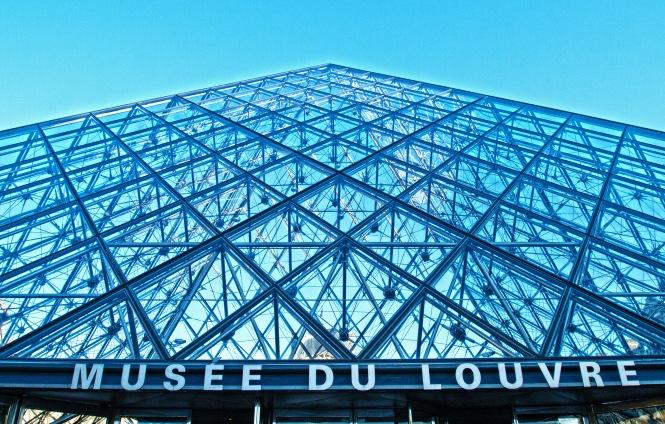 Musée du Louvre Marquee