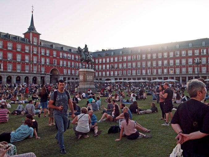 Crowds at Plaza Mayor
